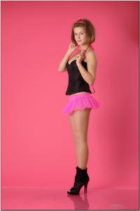 http://img173.imagevenue.com/loc134/th_254444187_tduid300163_sandrinya_model_pinkmini_teenmodeling_tv_012_122_134lo.jpg
