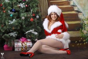 http://img173.imagevenue.com/loc391/th_531372654_silver_angels_Sandrinya_I_Christmas_1_061_123_391lo.jpg