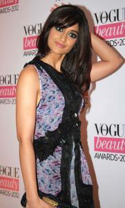 Ileana D'Cruz - Vogue India Beauty Awards in Mumbai on August 1, 2012 - x2 HQ