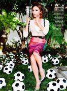 Collaborations 'Glamour', 'Harper's Bazaar', 'Parade', Vogue Th_979757461_5_122_580lo